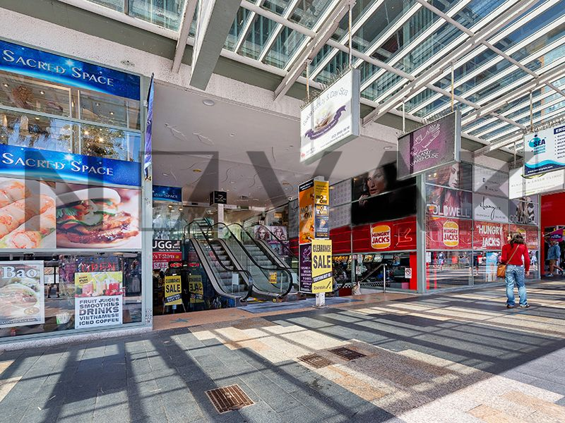 PERFECT FOR POP UP STORE   PRIME RETAIL SPACE