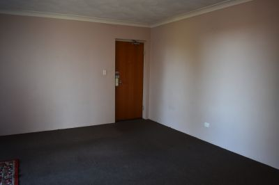 SPACIOUS 2 BEDROOM APARTMENT - GREAT INVESTMENT!