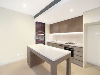 Modern 2-Bedroom Apartment in Green Square!