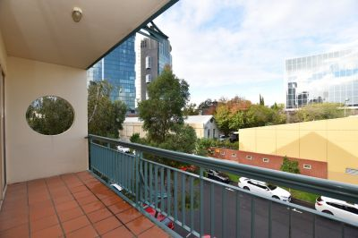 Fresh and Bright - Two Bedroom Apartment!
