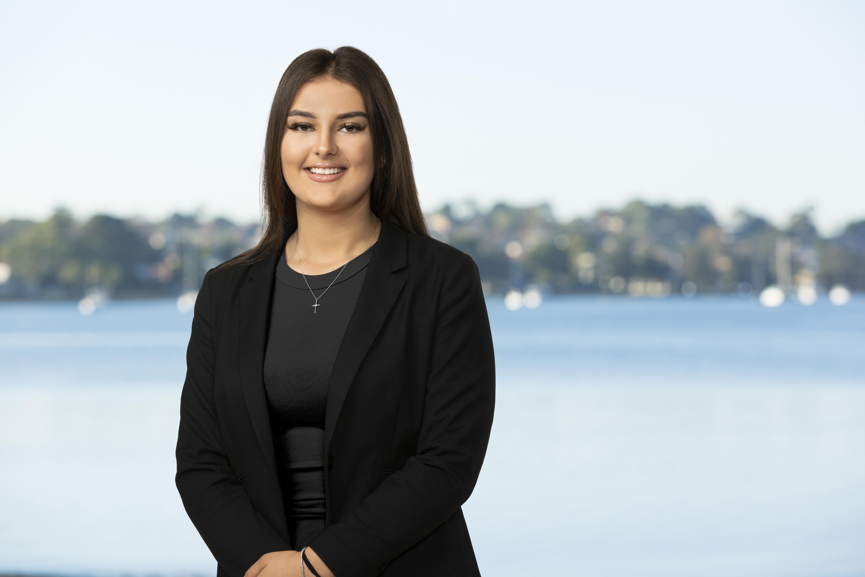 Ursula Aebi Real Estate Agent