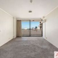 Spacious 1 Bedroom Apartment In A Great Location