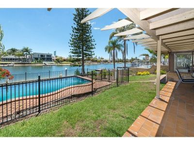 Prime Location, North To Wide Water - Golden Triangle!
