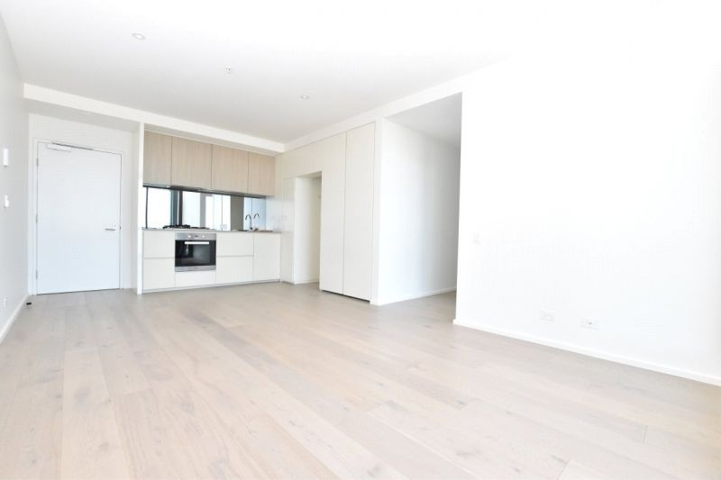 883 Collins: Stunning Two Bedroom Apartment in Docklands!