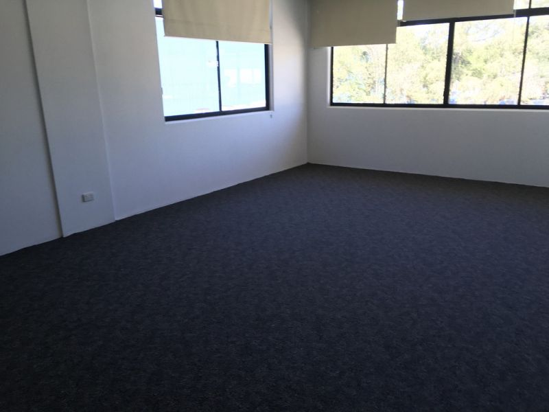 Central Stafford Industrial/Showroom Lease Opportunity