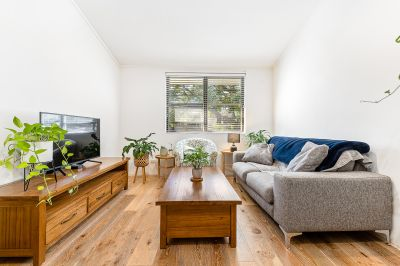 VIRTUAL TOUR AVAILABLE = IMPECCABLY PRESENTED ULTRA MODERN APARTMENT