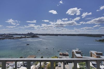Spectacular Penthouse Features Unobstructed Panoramic Harbour Views