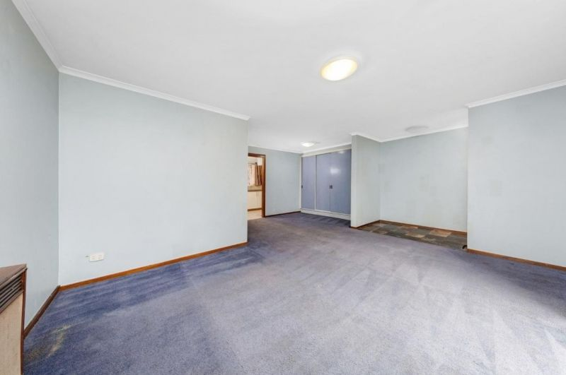 For Sale By Owner: 3/20 Donald Road, Queanbeyan, NSW 2620