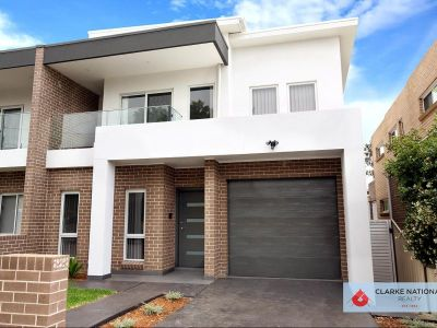 CONTEMPORARY FAMILY HOME - 750M TO TRAIN STATION