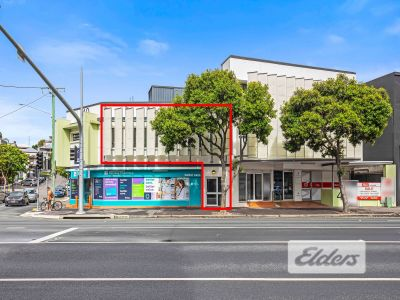 INVEST OR OWNER OCCUPY WITHIN THIS PREMIER MEDICAL PRECINCT!!