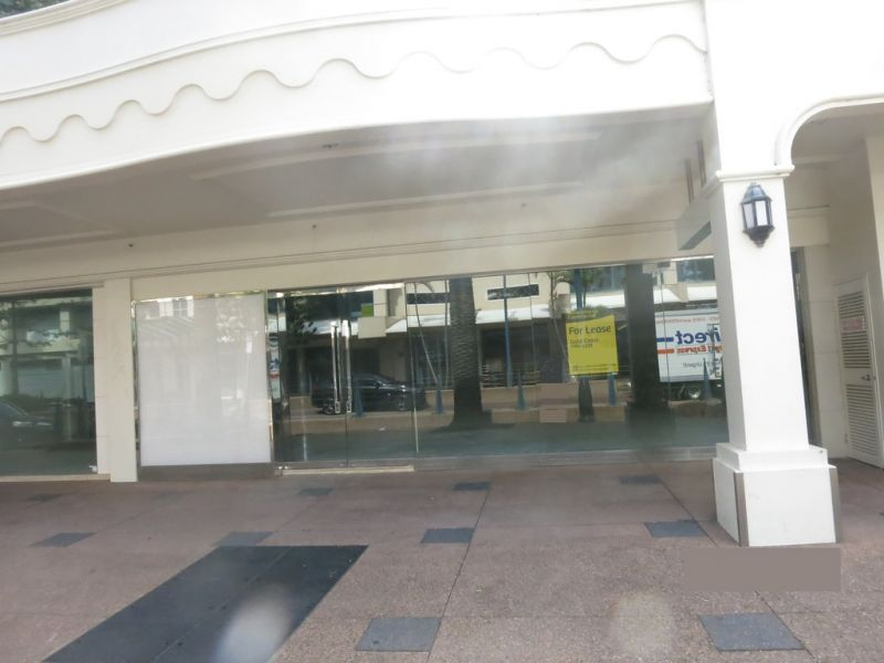 RETAIL IN SURFERS PARADISE