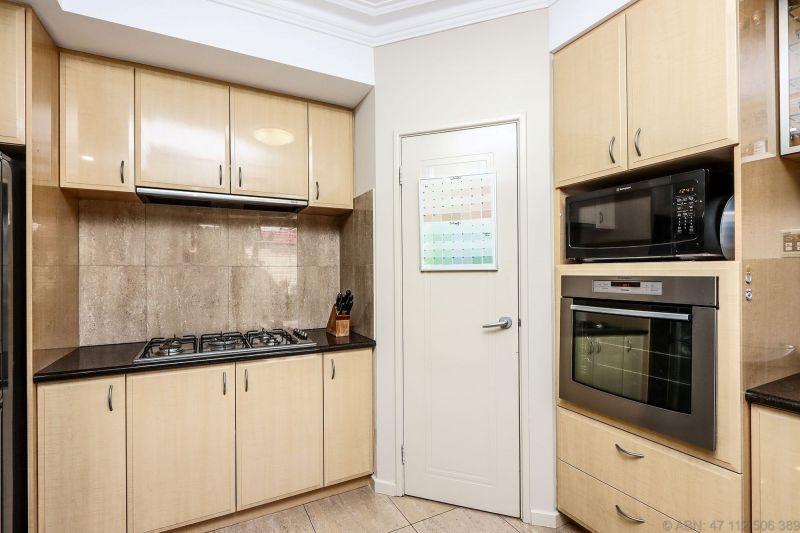 For Sale By Owner: 77 Alness Street, Ardross, WA 6153
