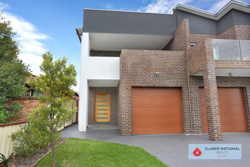 600M TO REVESBY CBD - NEAR NEW SPACIOUS DUPLEX