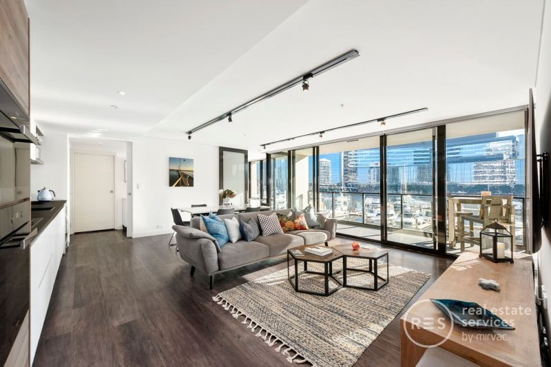 Fully furnished podium apartment with amazing views!