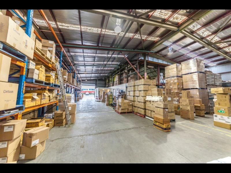 CHEAP OFFICE WAREHOUSE READY TO GO