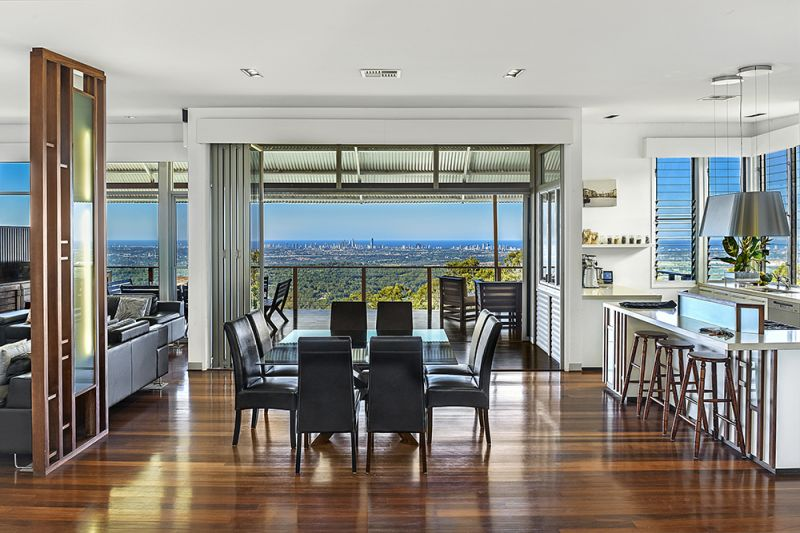 OUTSTANDING ARCHITECTURAL DESIGN WITH UNRIVALED PANORAMIC VIEWS