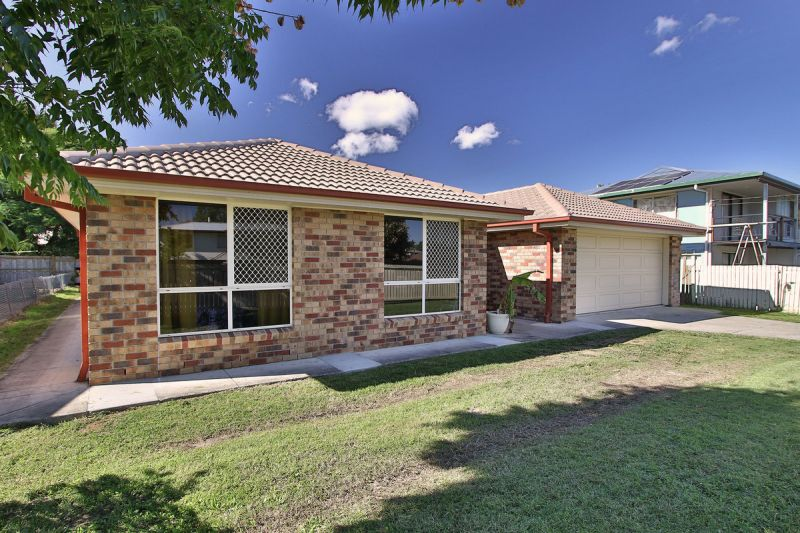 This 4 bedroom home offers many extras in a fabulous location.
