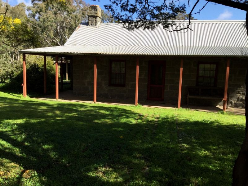 For Sale By Owner: 67 Montgomery Street, Lake Bolac, VIC 3351