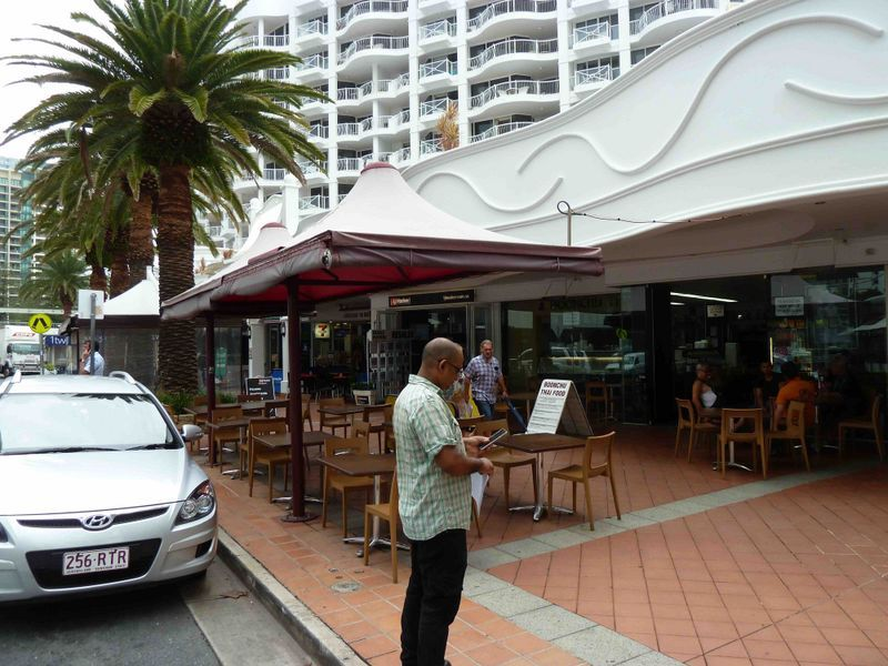 BROADBEACH RESTAURANT BUSINESS BARGAIN