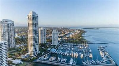 Waterfront Broadwater Tower Apartment