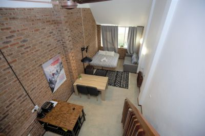 Jindy leisure Loft - fully renovated 6 BED loft style holiday apartment in the heart of Jindabyne!