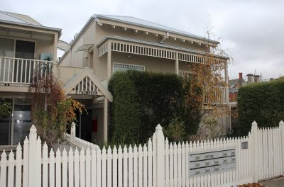 ONE BEDROOM UNIT, RIGHT IN THE HEART OF WILLIAMSTOWN