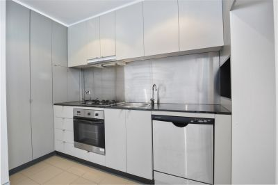 Perfectly Located Bright & Airy One Bedroom Apartment