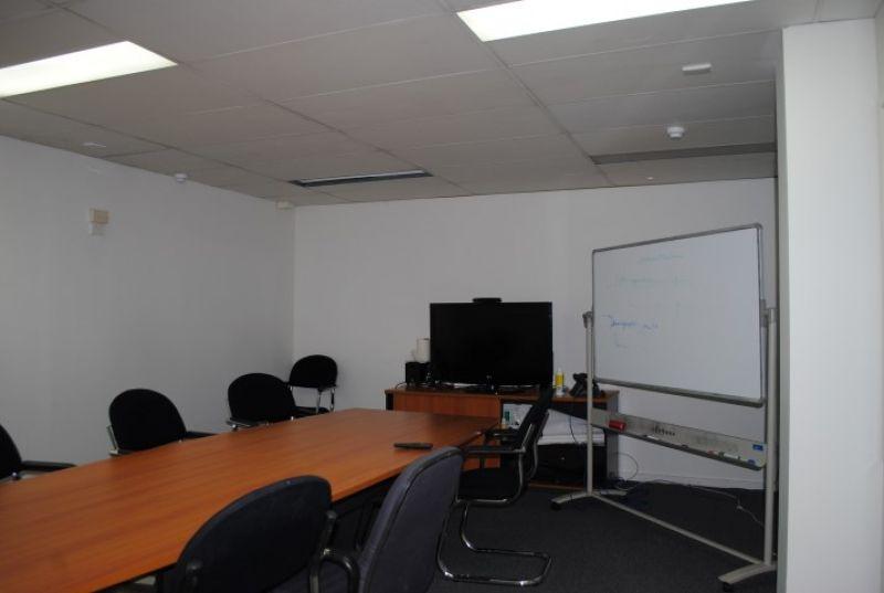 OFFICE / WAREHOUSE 370m2*