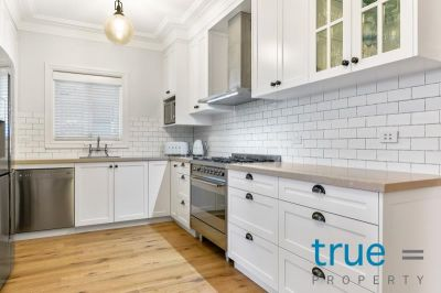 = HOLDING DEPOSIT RECEIVED = ELEGANT AND BEAUTIFULLY RENOVATED FAMILY HOME
