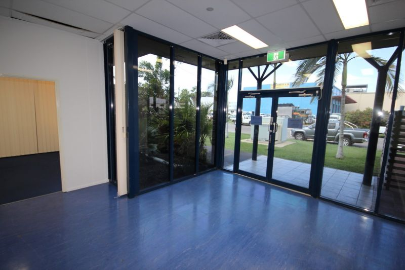 Professional Office Space in Corporate Crescent - For Lease