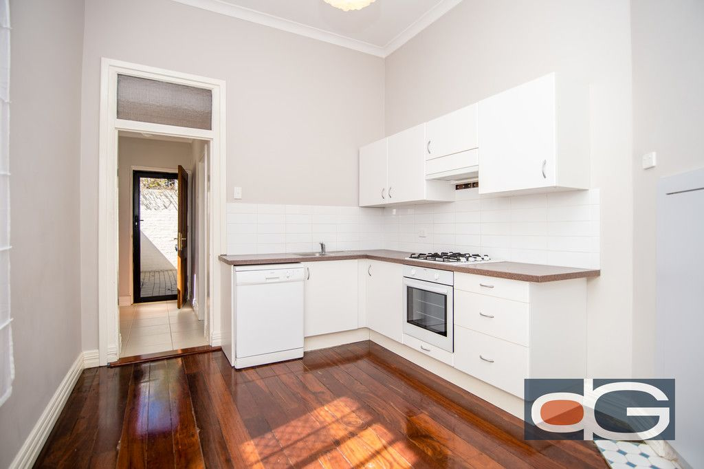 2/2 McLaren Street, South Fremantle