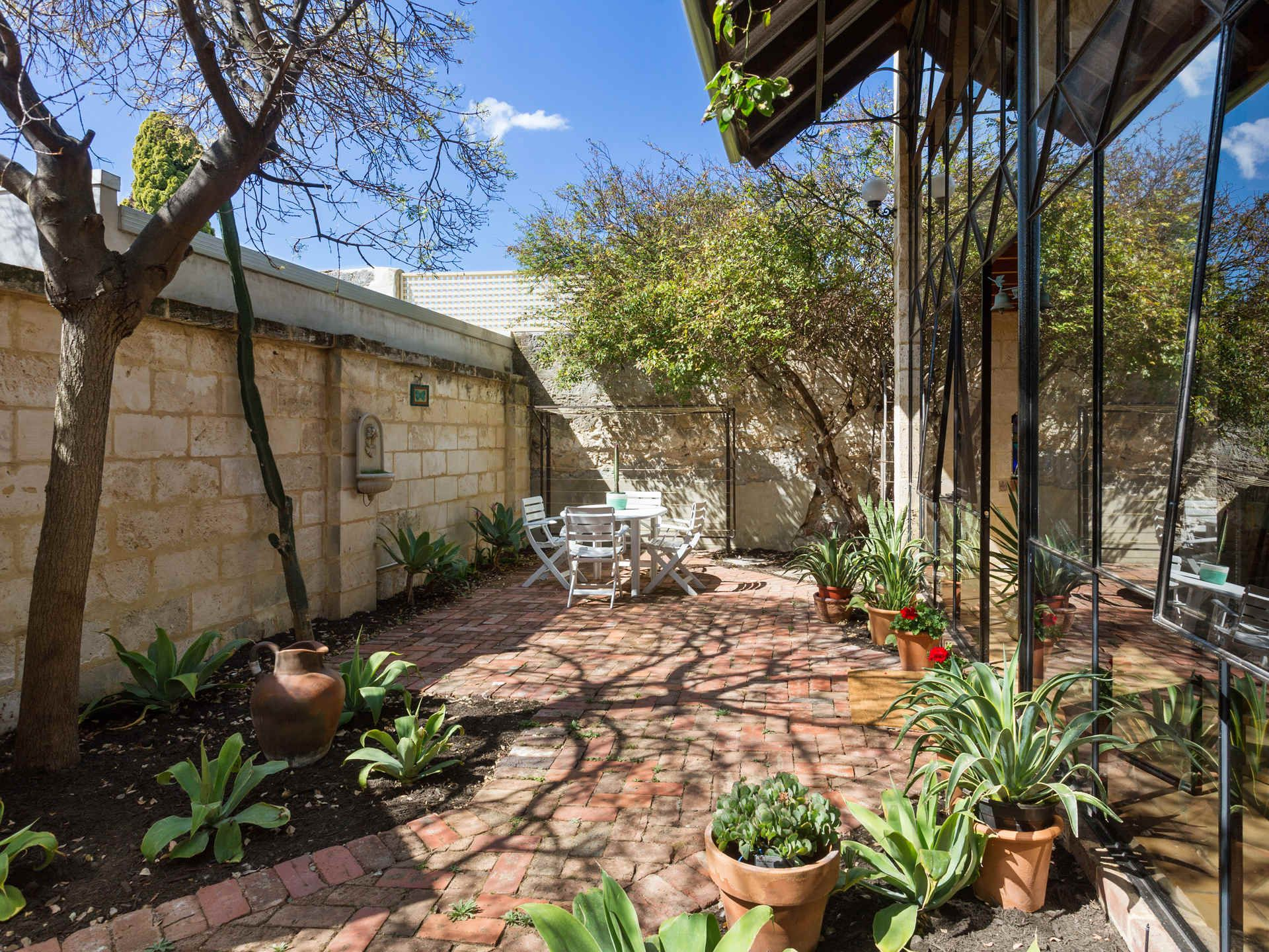 5a Howard Street, Fremantle
