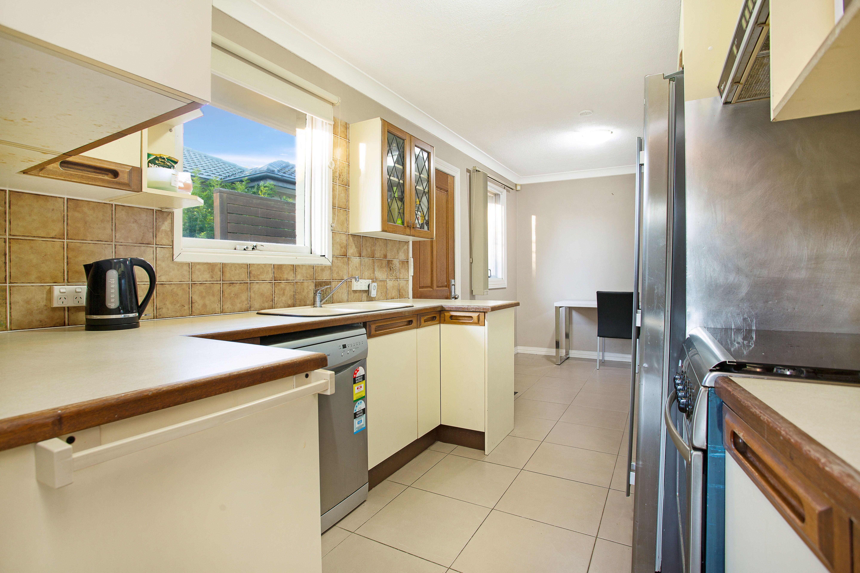 26 Myuna Crescent, Seven Hills NSW 2147