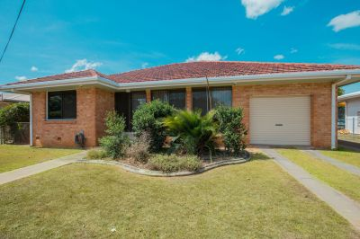 SOLID BRICK HOME ON 1027M2 BLOCK WITH HUGE SHED SPACE!
