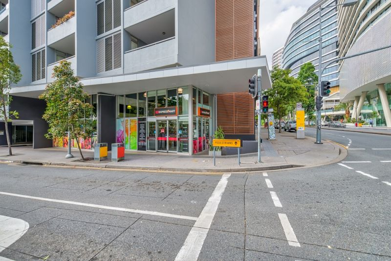 213sqm* of Prime Multi-Use Retail & Office Space In An Unrivaled Position In The Heart Of South Bank's Bustling Restaurant Precinct