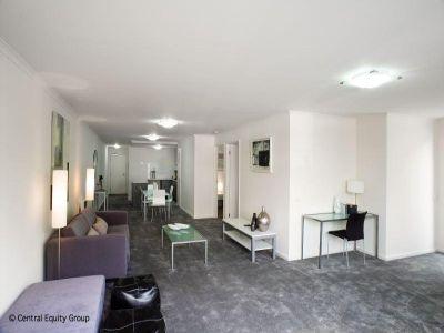 Market Square Condos: One Bedroom Apartment In Fantastic Location!