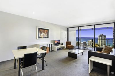 Sensational Circle on Cavill - Mid Floor Ocean Views
