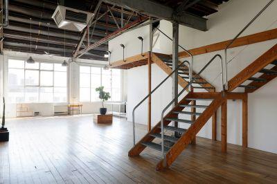 New York Manhhattan style Warehouse open
