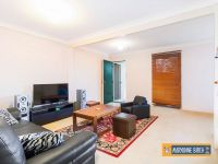 FANTASTIC TWO BEDROOM TOWNHOUSE
