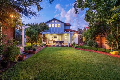 Beautifully renovated character home in a prime lifestyle location