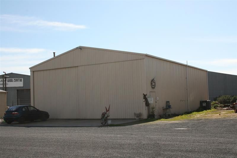 Commercial Shed For Lease