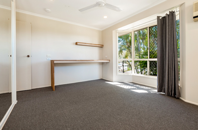 For Sale By Owner: 35 Flounder Crescent, Toolooa, QLD 4680