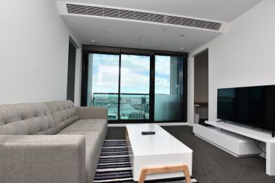Australis: Near New Spacious Apartment in the Heart of the CBD!