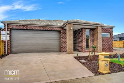 Fantastic Four Bedroom Family Home Awaits!