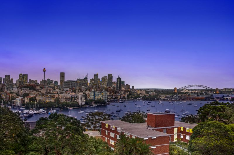 Sensational Whole Floor Apartment With Panoramic Harbour Views