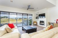 2/7 Plantation Drive Barwon Heads, Vic