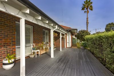 PERFECT HOME - CLOSE TO BEACH AND BUSH
