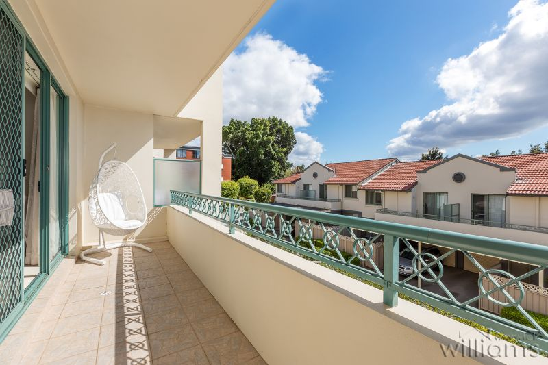 Spacious 3 bedroom apartment totalling 170m2