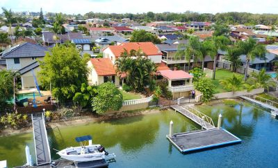LARGE FAMILY HOME  18.4M* WATERFRONTAGE