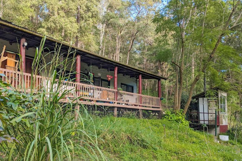 Family Home In Beautiful Forest Surrounds